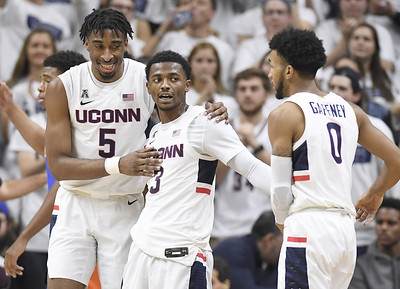 uconn-mens-basketball-takes-unexpected-route-to-seasonopening-21-record
