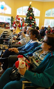 local-businesses-bring-holiday-spirit-to-belair-manor-residents