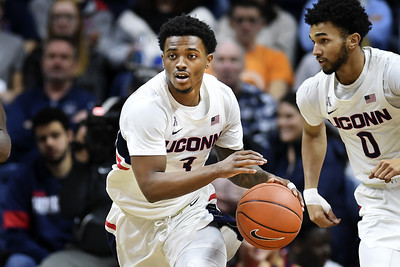 uconn-mens-basketball-player-gilbert-makes-expected-decision-to-transfer