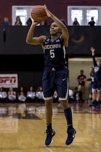 dangerfield-doesnt-let-shin-splints-stop-her-from-contributing-in-uconn-womens-basketball-win-over-temple