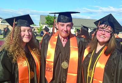terryville-high-gets-clear-skies-for-its-2021-graduation