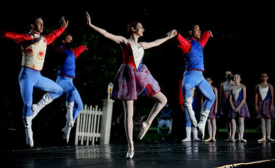 ballet-takes-center-stage-at-petit-foundation-benefit
