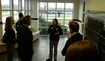 lamont-visits-ct-humane-society-for-day-of-service