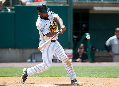 new-britain-bees-struggle-at-plate-strike-out-14-times-in-loss-to-long-island-ducks