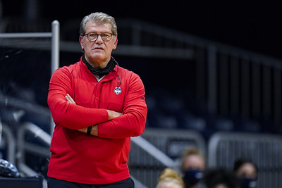 auriemma-scoffs-at-notion-of-any-uconn-bias-in-olympic-selections