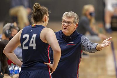 uconn-womens-basketball-coach-auriemma-revels-in-return-to-philadelphia