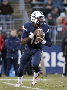 williams-improving-as-wide-receiver-for-uconn-football