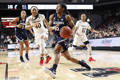 no-rest-for-uconn-womens-basketballs-big-three-collier-samuelson-dangerfield-never-want-to-leave-game