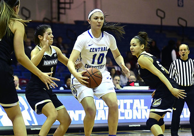 ccsu-womens-basketball-falters-late-in-loss-to-new-hamphire