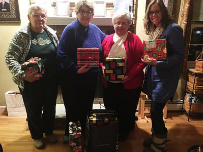 educators-sorority-brightens-holidays-anonymously-for-four-families