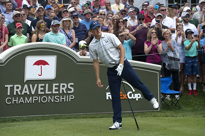 spieth-takes-lead-after-first-round-of-travelers-championship