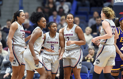 past-success-part-of-what-may-have-hurt-uconn-womens-basketball-seeding