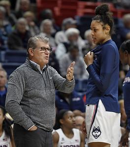 uconn-womens-basketball-head-coach-auriemma-upset-with-early-start-date