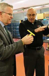 gubernatorial-candidate-visits-newingtons-frasal-tools