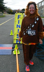 runners-in-halloween-costumes-race-around-bristol-for-the-49th-mumathon-road-race