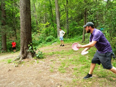 disc-golfers-from-around-new-england-teed-off-in-rockwell-park-over-the-weekend
