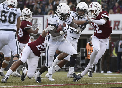 mensah-five-touchdowns-lead-uconn-football-to-rout-of-umass
