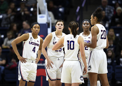 second-unit-gives-uconn-womens-basketball-a-needed-boost