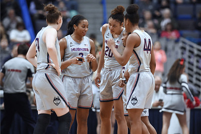 uconn-womens-basketball-continues-to-make-progress-as-postseason-play-nears