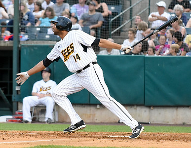 crouse-bierfeldt-lead-new-britain-bees-to-comefrombehind-walkoff-victory