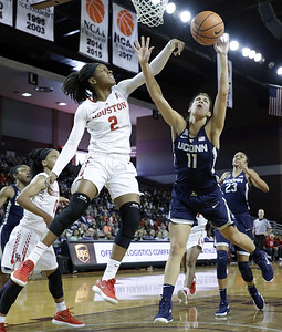 uconn-womens-basketball-puts-on-dominant-performance-in-win-over-houston
