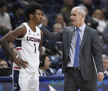 with-its-season-on-brink-uconn-mens-basketball-responded-with-great-effort