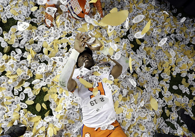orange-crush-clemson-topples-no-1-alabama-for-national-title