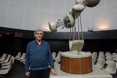 ccsu-planetarium-shines-with-free-stargazing-show