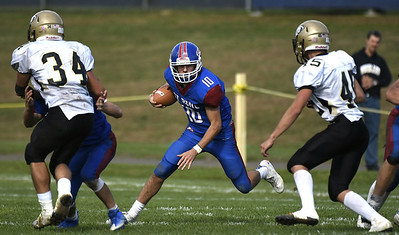 st-paul-football-unable-to-keep-offense-moving-in-winnable-game-against-woodland