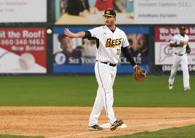 bees-complete-another-comeback-defeat-skeeters