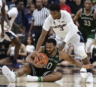 a-step-back-for-uconn-mens-basketball-guards-as-gilbert-adams-struggle-in-win-over-manhattan