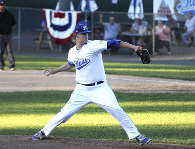 blues-blow-late-fiverun-lead-fall-to-suns-at-home-in-extras