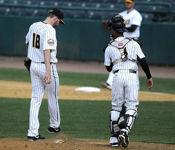 new-britain-bees-split-doubleheader-with-southern-maryland-blue-crabs-after-simons-sixthinning-struggles