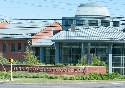 tunxis-community-college-donates-supplies-to-bristol-hospital-switches-to-online-learning-for-students