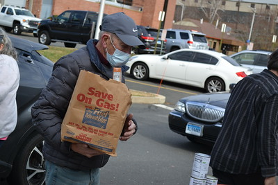 bristol-letter-carriers-continue-thanksgiving-food-drive-tradition-with-new-format-for-covid19-pandemic