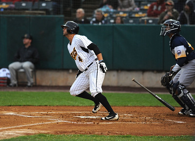 new-britain-bees-use-extra-innings-to-beat-york-for-fourthstraight-win