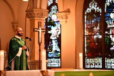 parishioners-pray-for-veterans-at-st-joseph-church-in-bristol