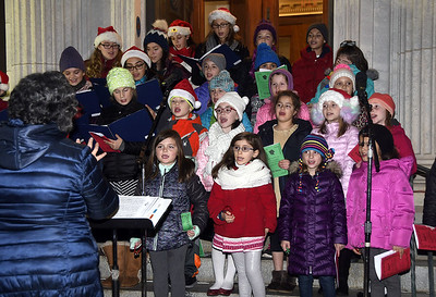 bristol-kicks-off-christmas-season-with-carol-sing