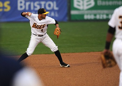 former-new-britain-bees-shortstop-steve-carrillo-has-contract-purchased-by-team-in-mexico