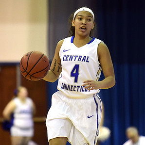 ccsu-womens-basketball-loses-third-in-last-four-to-sacred-heart