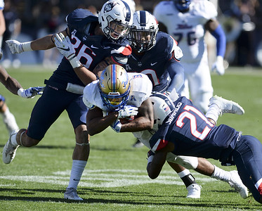 uconn-football-dominates-early-then-hangs-on-to-beat-tulsa