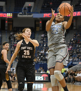 stevens-has-big-night-as-uconn-womens-basketball-wins-another-rout