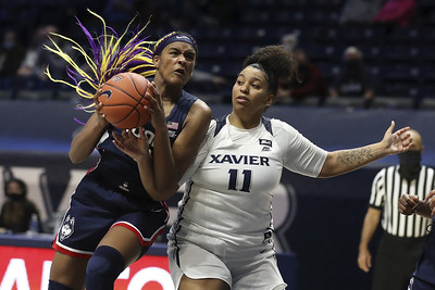 uconn-womens-basketballs-edwards-not-worried-about-freshman-wall