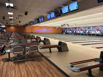 bowling-games-and-more-at-spare-time-entertainment