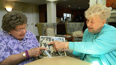 1945-softball-teammates-reunited-at-middlewoods-of-newington