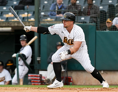 new-britain-bees-looking-more-confident-at-the-plate-producing-more-runs
