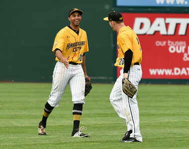 crouses-big-day-at-the-plate-helps-new-britain-bees-spit-doubleheader-with-sugar-land