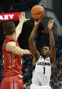 vital-leads-uconn-mens-basketball-to-victory-over-boston-university