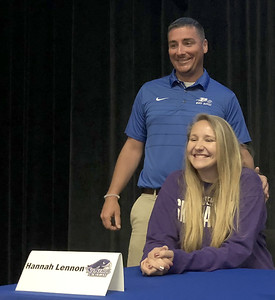 plainvilles-lennon-to-attend-stonehill-college-to-continue-career-in-equestrian-sports