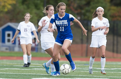 bristol-eastern-girls-soccer-relying-on-young-core-to-make-state-tournament-push